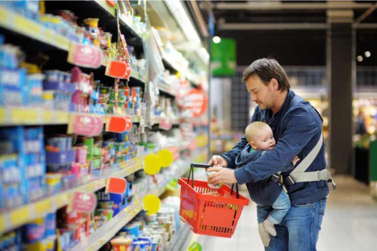 Alimentos comerciales para bebés estarían contaminados con metales pesados, muestra informe