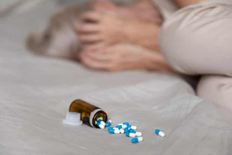¿Qué son los síntomas extrapiramidales y qué los causa?