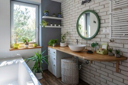 7 ideas para decorar el baño con plantas