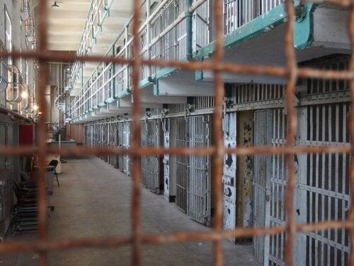 Experimento de la cárcel de Stanford, ¿en qué consistió?