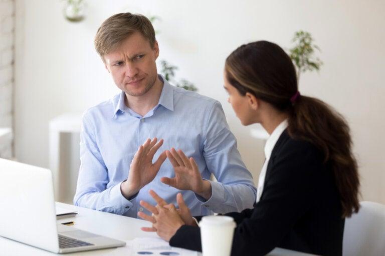 Miedo a los conflictos: ¿qué es y cómo nos afecta?