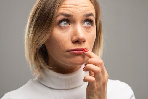¿Qué significan los cambios de color en los labios?