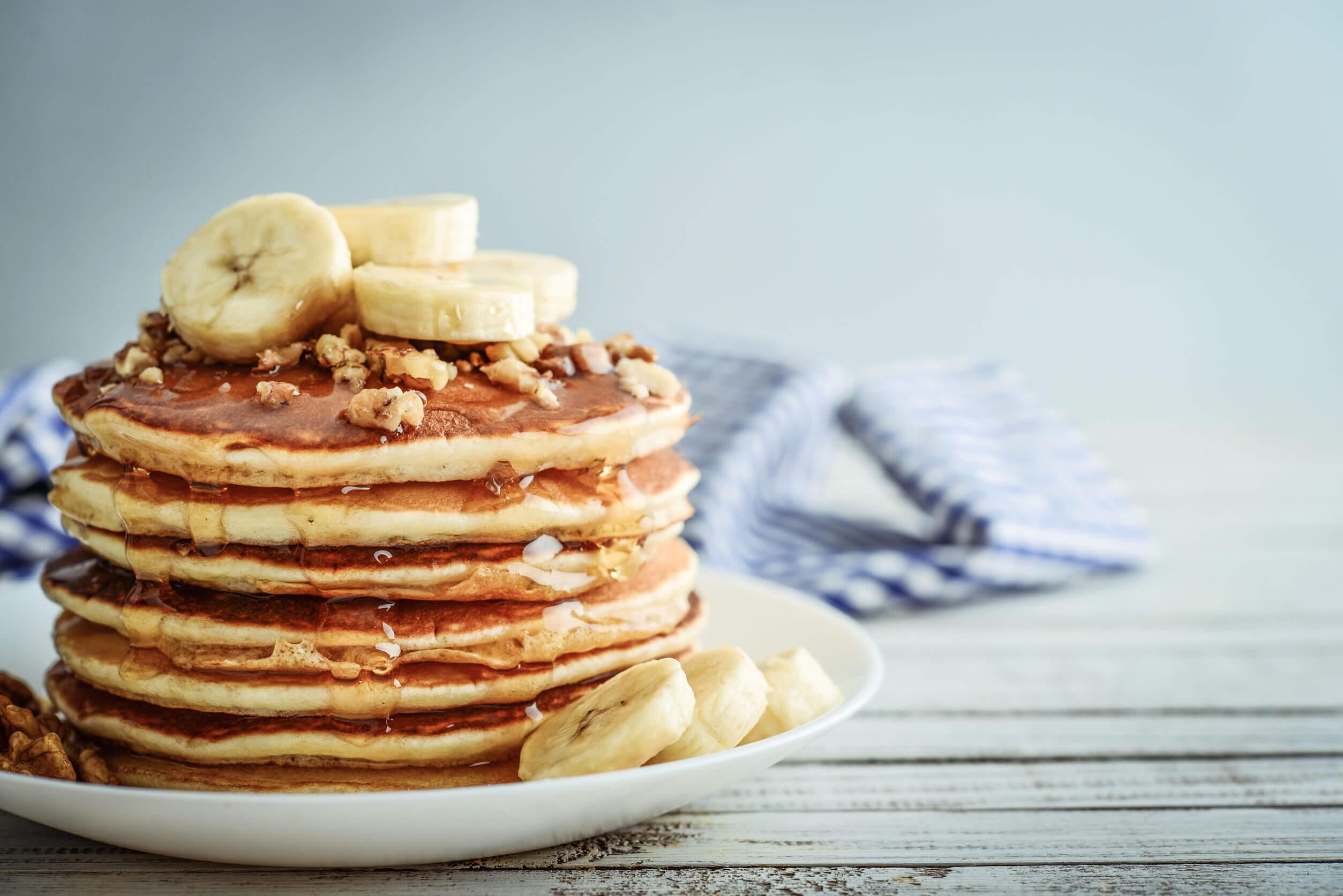Las tortitas de plátano se hacen de forma rápida