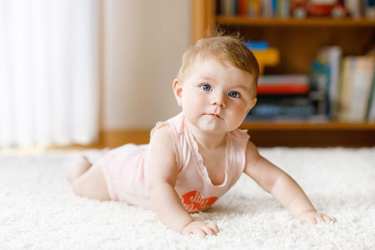 Importancia del gateo en el desarrollo de los bebés