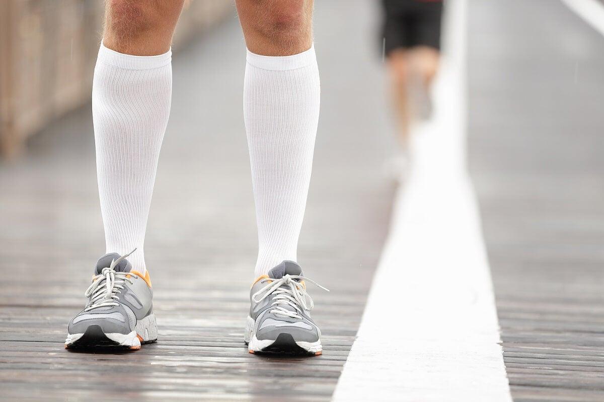 Medias y calcetines de compresión-recuperación