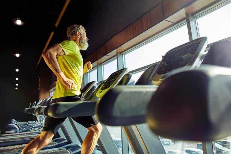 6 consejos para entrenar después de los 50