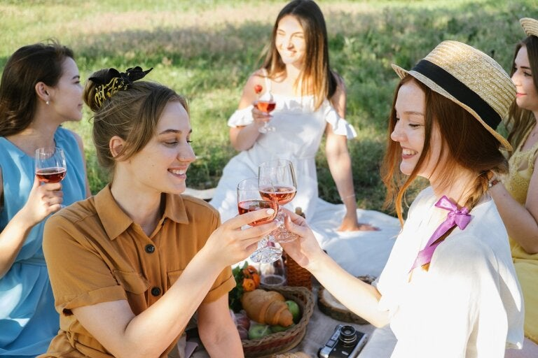 8 recomendaciones para organizar una fiesta en verano