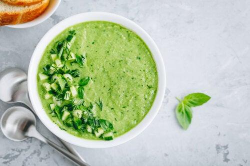 ¿Cómo se prepara el gazpacho de pepino?