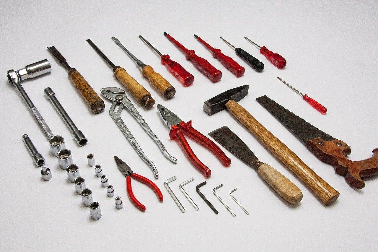 Herramientas básicas para bricolaje.