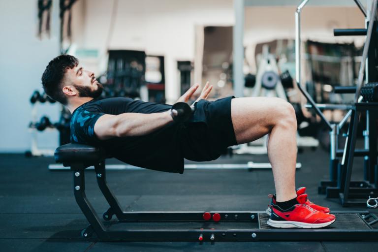 Hip thrust: el ejercicio que no debe faltar en tu rutina de glúteos