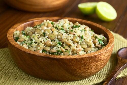 Lentejas con quinoa: receta sana y sencilla