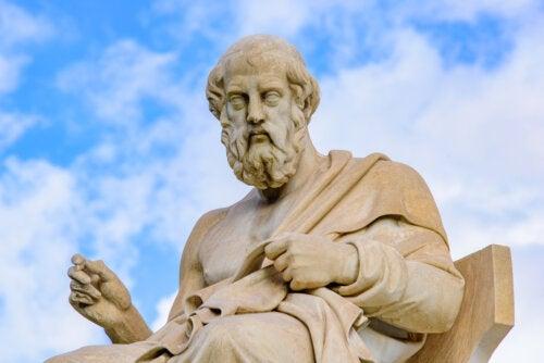 Diferencias entre las filosofías de Aristóteles y Platón