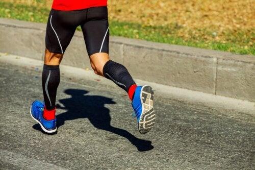 ¿Qué es la ropa deportiva de compresión y para qué se usa?