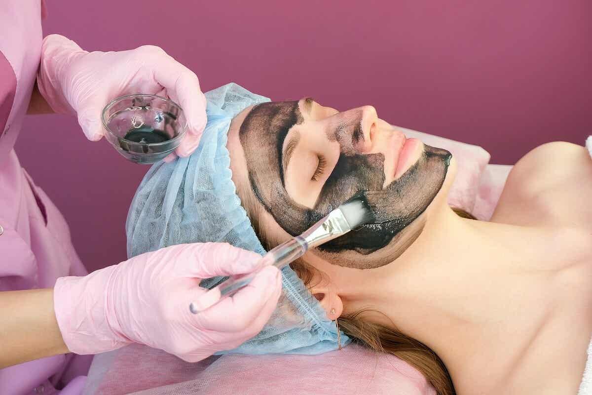 Tratamiento de la piel con carbono 60.