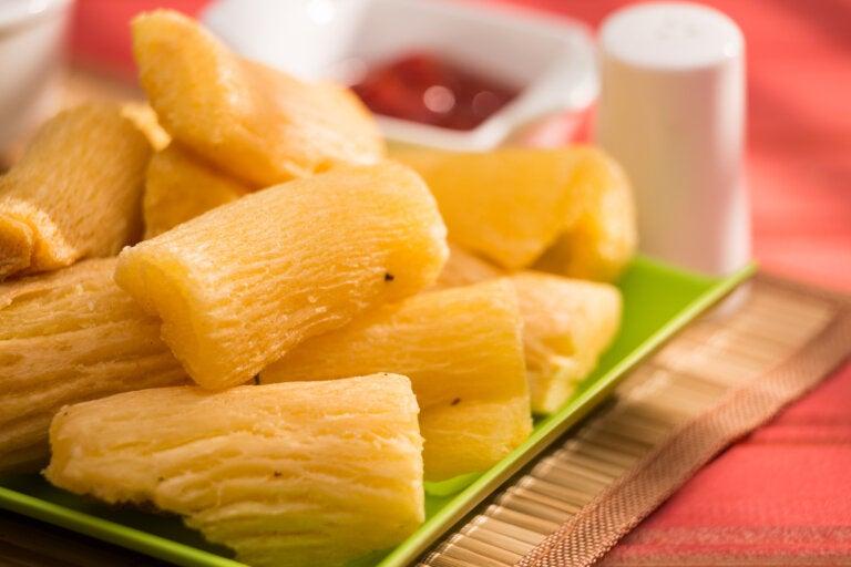 Dos formas de preparar la yuca: frita o al horno