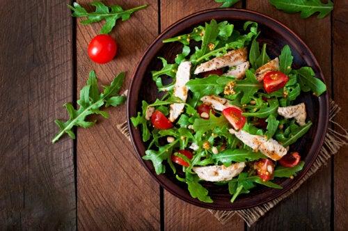 Receta de ensalada de rúcula y pollo