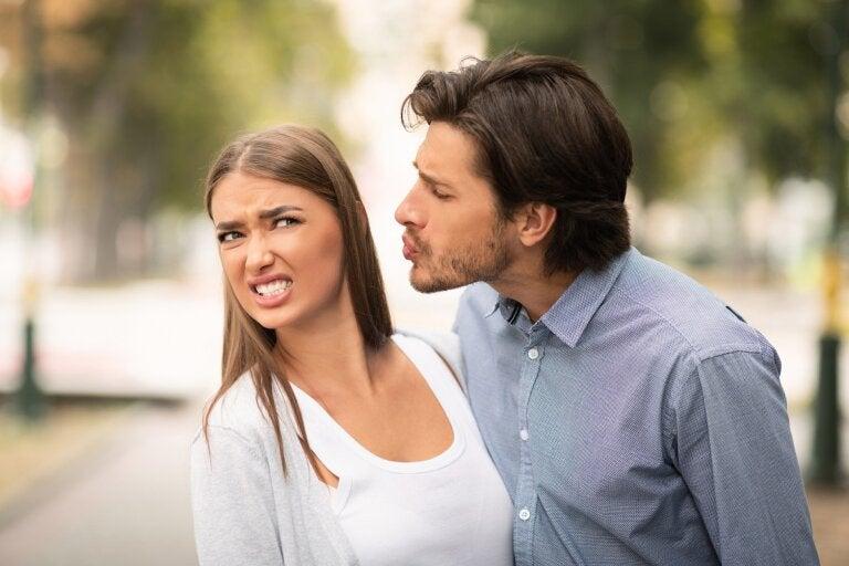 Filemafobia o fobia a los besos: ¿cómo se puede superar?