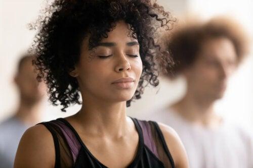 Beneficios y riesgos de la respiración holotrópica