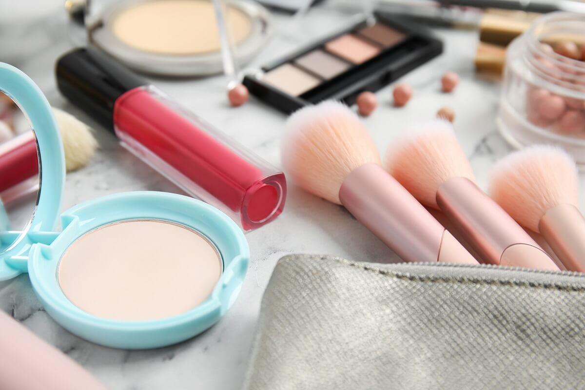 Есть ли у продуктов для макияжа срок годности?