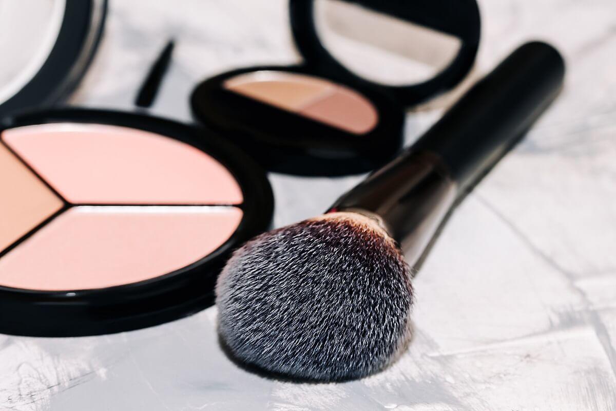 4 señales de que un producto de maquillaje ha caducado