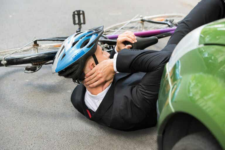 El novedoso casco que evitará lesiones medulares en los ciclistas