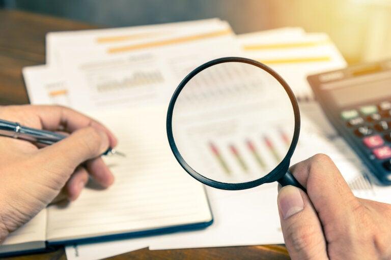 ¿Cómo reducir el riesgo financiero?