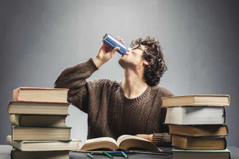 ¿Qué ocurre si se toman bebidas energéticas todos los días?