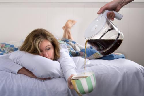 ¿El café ayuda a combatir la resaca?