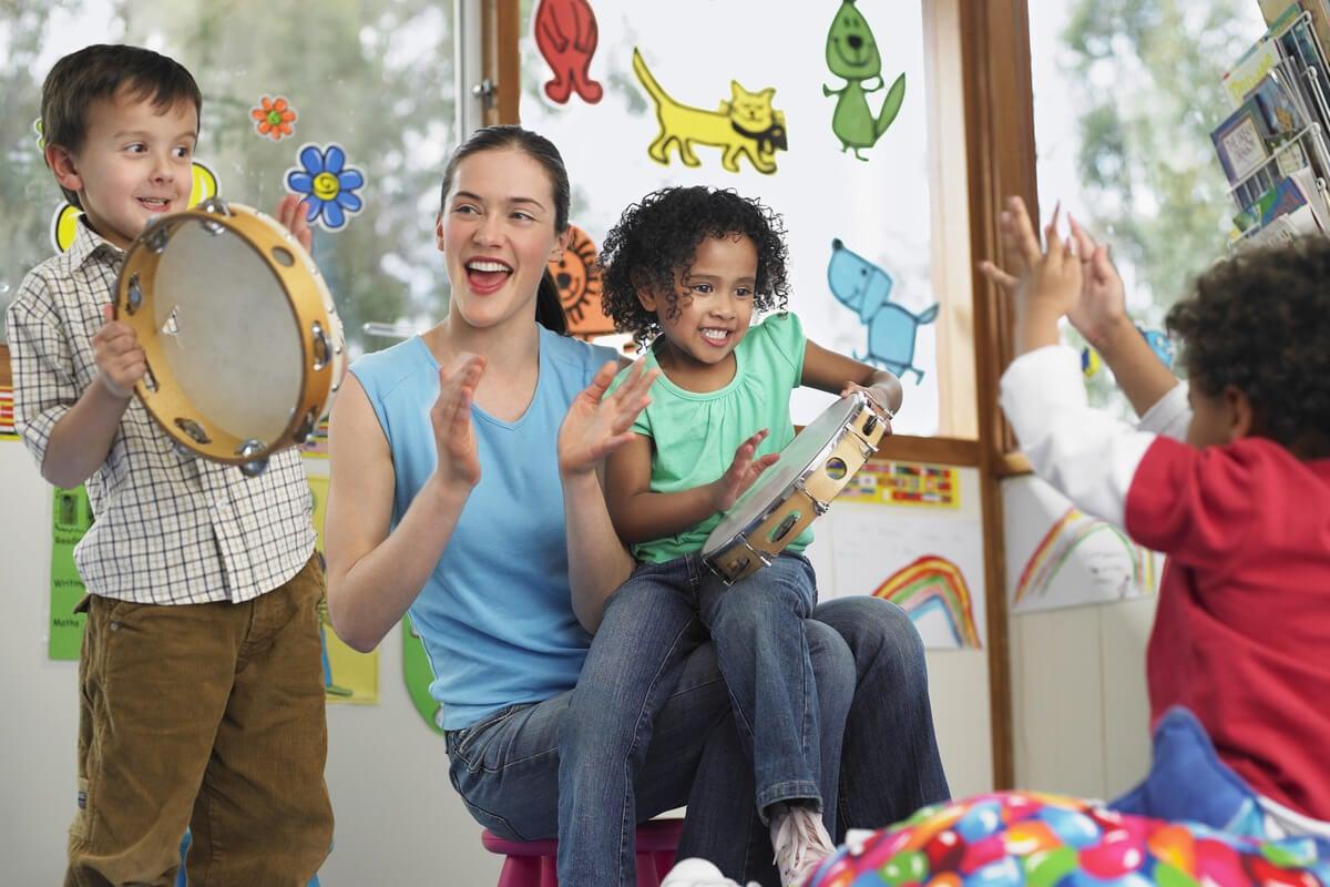 Beneficios de la música para un grupo de niños.