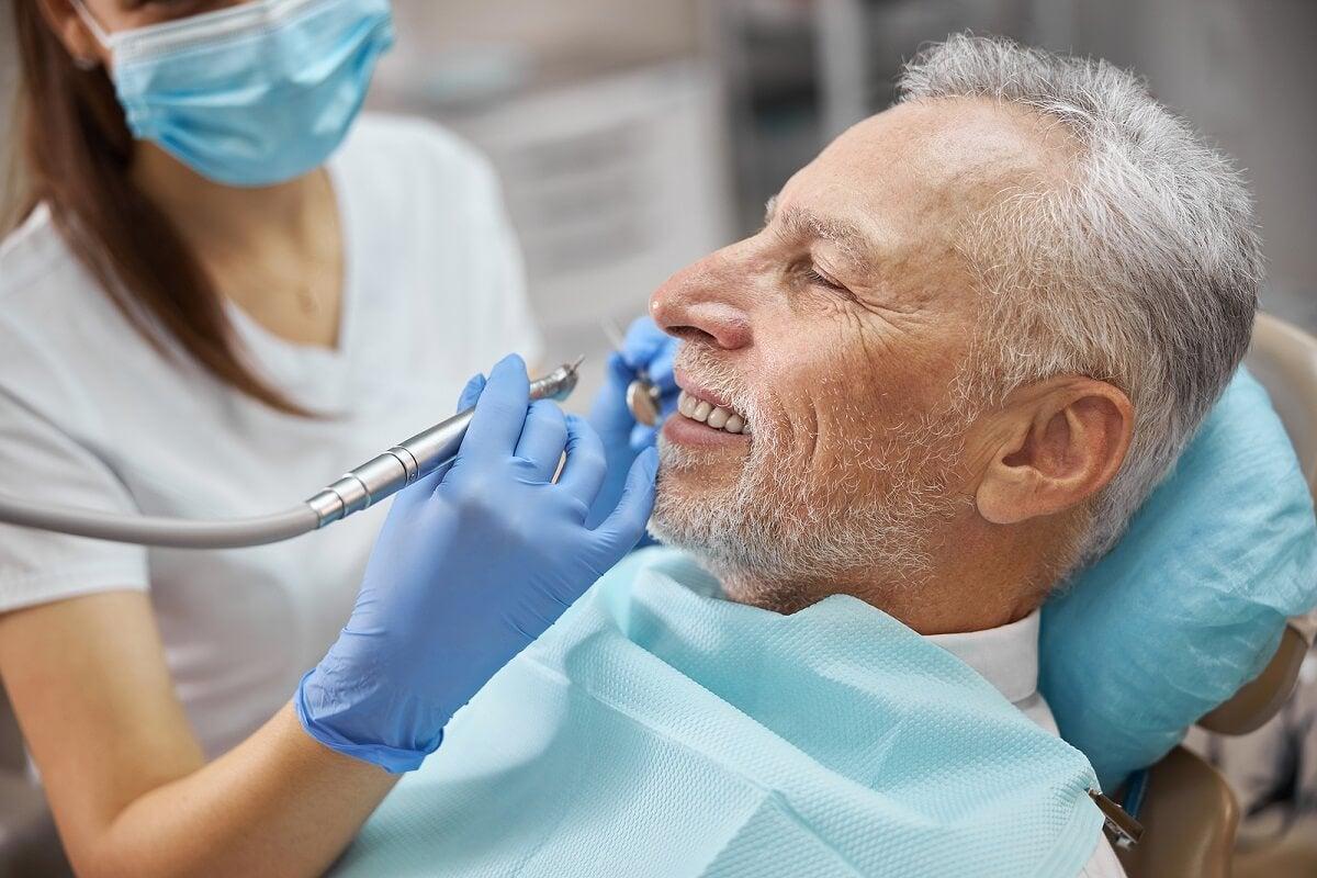 Visitar al dentista de manera frecuente