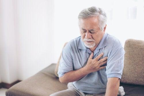 Pinchazos en el corazón: ¿debo preocuparme?