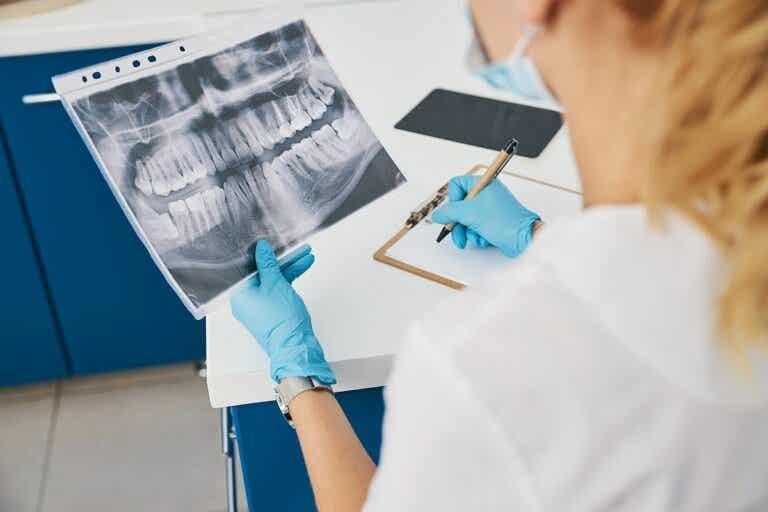 ¿Qué tipos de radiografías dentales existen?