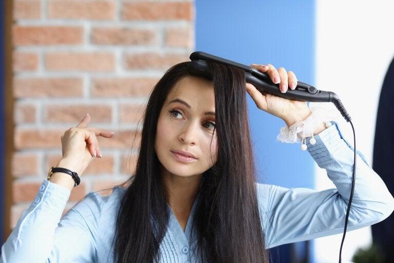 5 errores frecuentes al plancharse el cabello