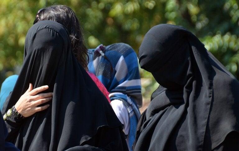 Las 29 absurdas prohibiciones que temen las mujeres en Afganistán con el regreso de los talibanes