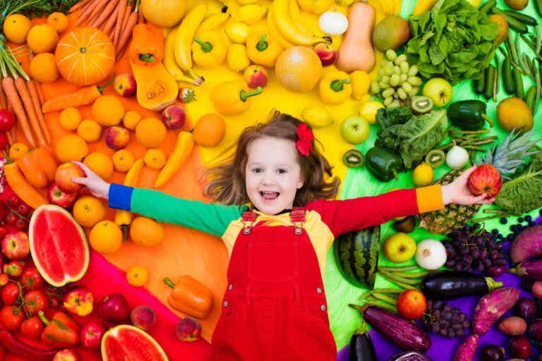 5 consejos para enseñar a tu hijo a comer de forma saludable