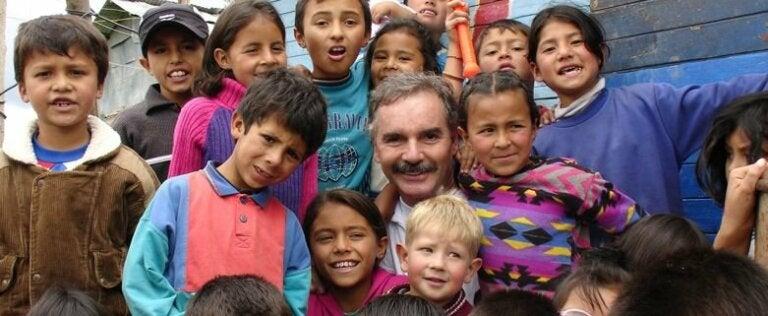 Este hombre ha rescatado a más de 85 000 niños de las calles y alcantarillas