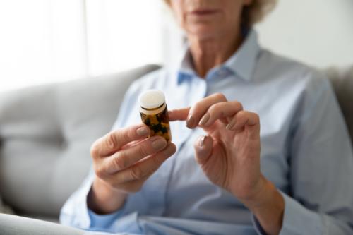¿Qué es el aniracetam y para qué se usa?