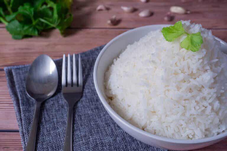 ¿Qué es la dieta BRAT y cuándo se recomienda?
