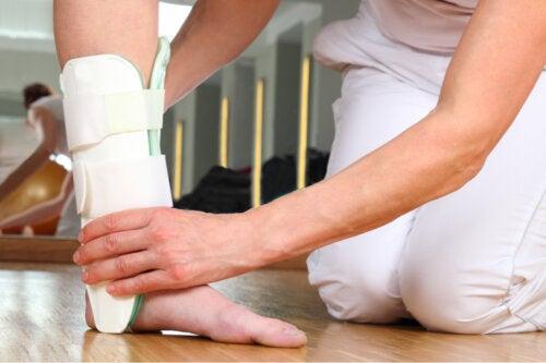 Ejercicios para recuperarse después de una fractura de tobillo