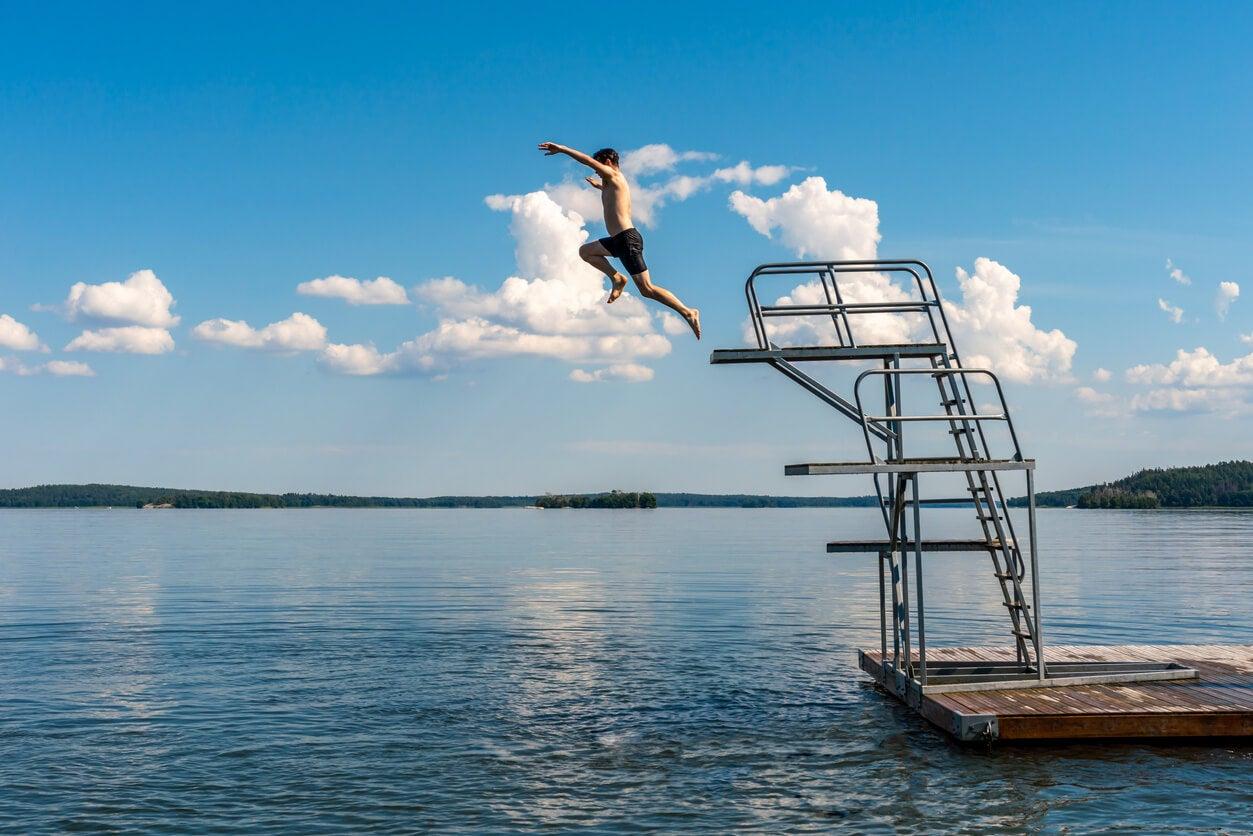 5 beneficios de practicar natación de cara al verano