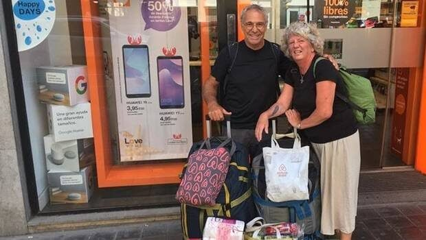 La pareja de jubilados en uno de sus destinos.
