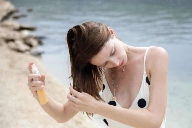 ¿Se debe utilizar protector solar en el cabello?