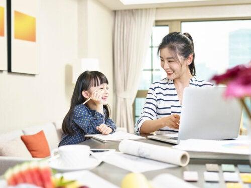 Cómo teletrabajar con los niños en casa