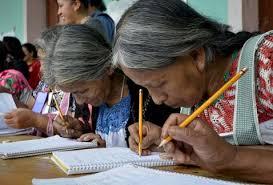 A sus 96 años aprendió a leer y escribir, quiere seguir estudiando
