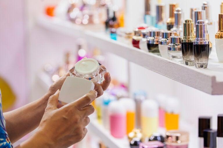 Asbesto en los cosméticos: ¿cuáles son los riesgos?