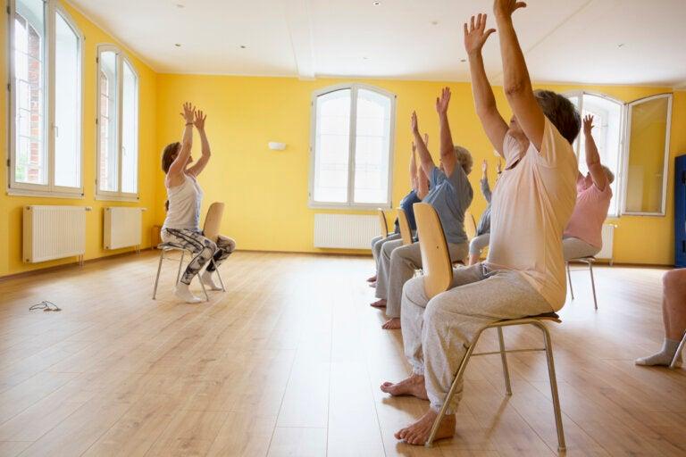 8 ejercicios de entrenamiento funcional para la tercera edad