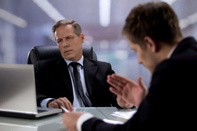 ¿Qué hacer cuando mi jefe me ignora?