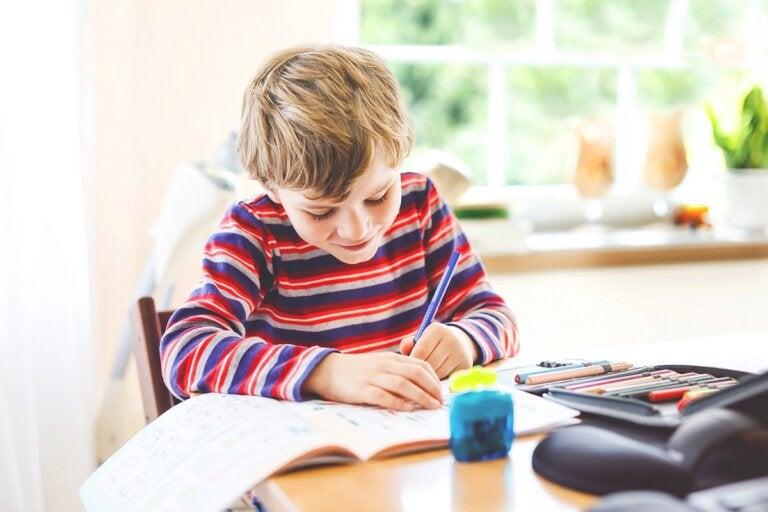 5 consejos para organizar un lugar de estudio para los niños