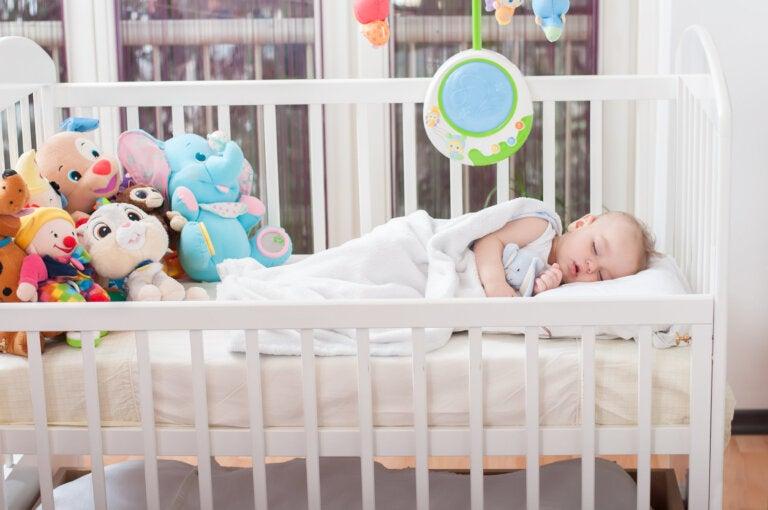 Regresión del sueño: ¿por qué mi bebé no puede dormir bien?